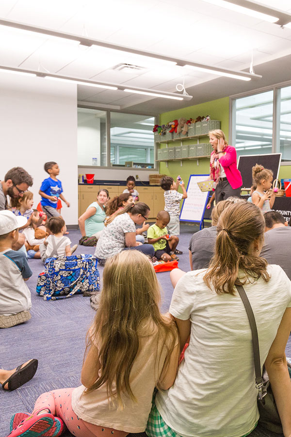 library reading to children